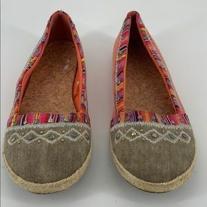 Maurices Orange and Gray Flats Size 8